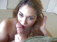 Sexy and amorous kirmess amateur Roxy Jezel enjoys hither sucking