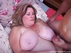 Spectacular matured BBW loves to fuck