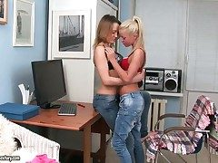 Awesome and gentle sapphic action with nasty